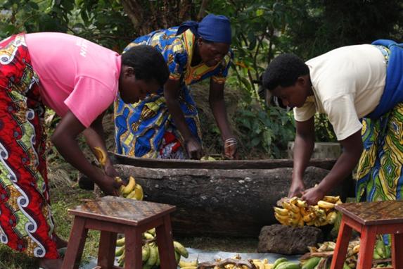 Fabricação de cerveja de banana em Ruanda
